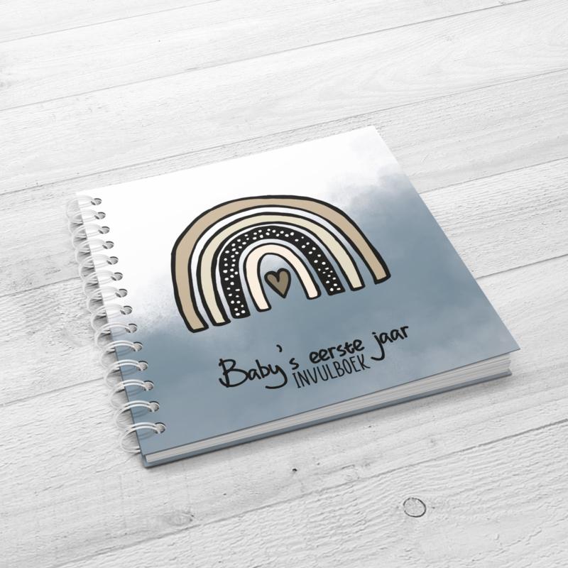 Baby's 1e jaar - Hardcover Wire-O (Oud Blauw)