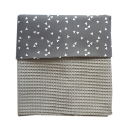 Ledikantdeken grijs | wit | triangles