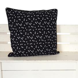 Kussen zwart met witte triangles | 40 x 40 cm