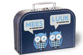 Koffertje met naam en geboortedatum | Tweeling uiltjes blauw