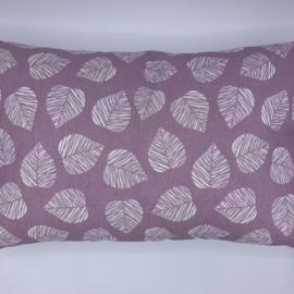 Leaf kussen Oud Rose - formaat 30 x 50 cm