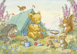 Postkaart Teddy's Tent, Teddy cooking meal outside tent