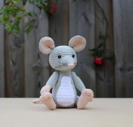 Haakpakket muis Melvin MINI lichtgrijs