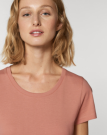 Rose Clay  t-shirt for her