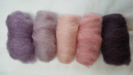 Gekaarde wol assorti zachte tinten roze/lila/paars (nr 25)