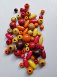 Houten kralen, 'herfst' , diverse maten en vormen, 57 stuks (ROG)