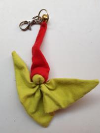 Knuffelpopje (sleutel)hanger flanel licht groen/rood