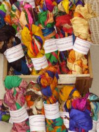 Gerecyclede zijdevezels, ribbongaren, lintgaren
