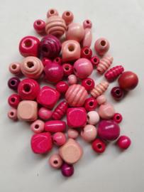 Houten kralen, roze, diverse maten en vormen, 55 stuks (RKA)