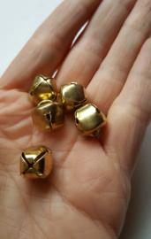 Metalen belletjes, goudkleurig, 13x14 mm, 5 stuks