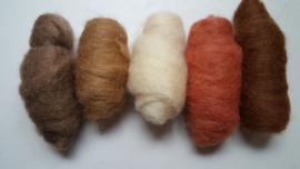 Gekaarde wol assorti  aarde (nr 124)
