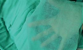 Dun katoen gaas, zacht groen, 120-130 cm breed