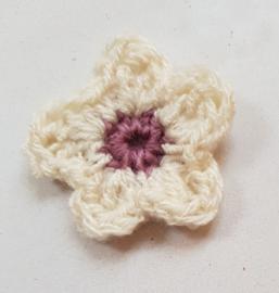 Gehaakte bloemetjes ca 4 cm (GH26)