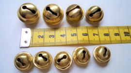 Metalen belletjes, goudkleurig, diverse maten, 9 stuks