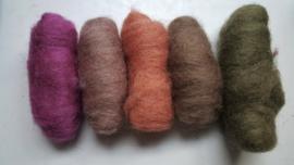Gekaarde wol assorti haas, groen, bruin, oranje, roze (nr 149)