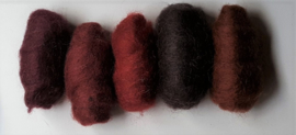 Gekaarde wol assorti donkerrood en roodbruin (nr 144)