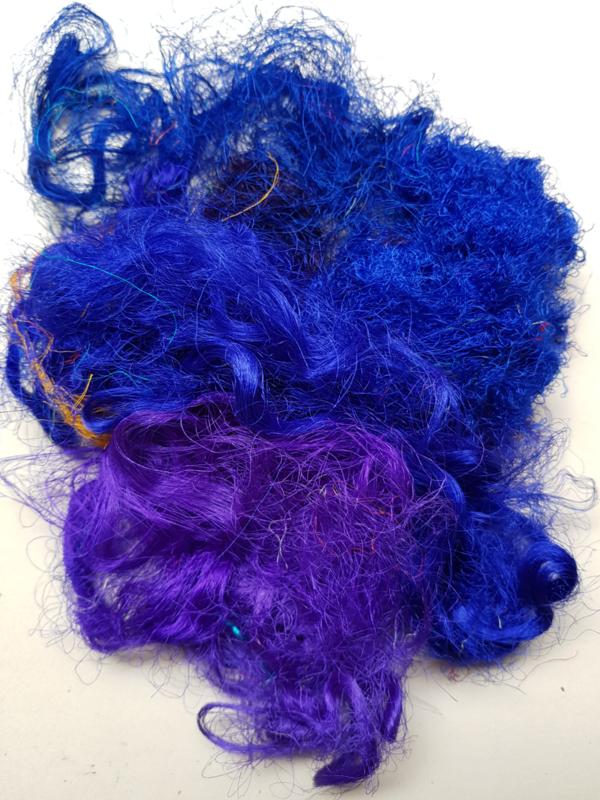Gerecyclede sari zijdevezels, blauw en blauwpaars