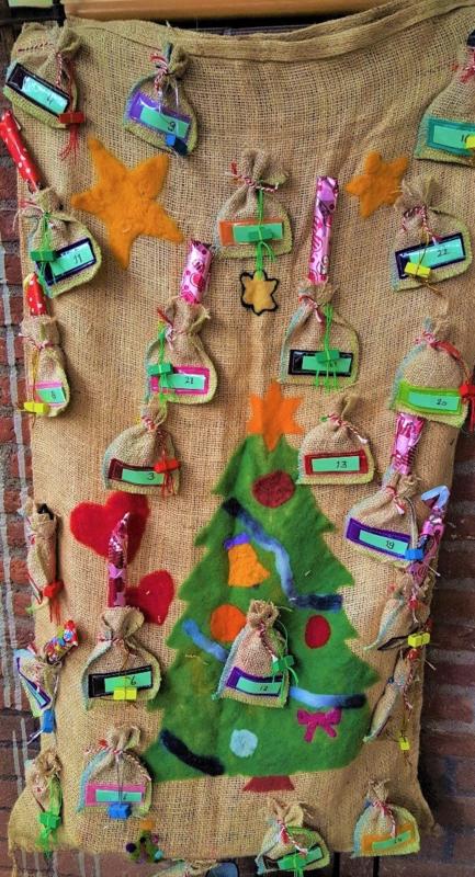 WINTER; adventskalender, werken met jute en naaldvilt
