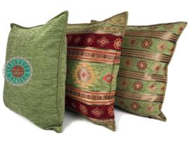 Aztec olijf groen en rood kussen ± 50x70cm