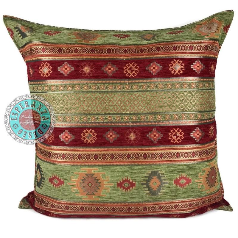 Aztec olijf groen en rood kussen ± 70x70cm