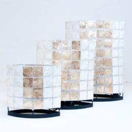 schelpen tafellamp capiz_ vierkantjes midden strook verkantje goud