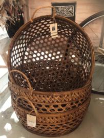 Fijne bamboe mand met handvatten