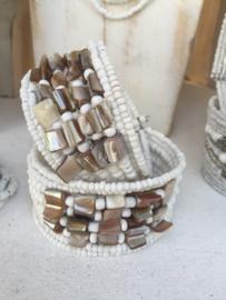 Kraaltjes met parelmoer armband  in diverse kleuren