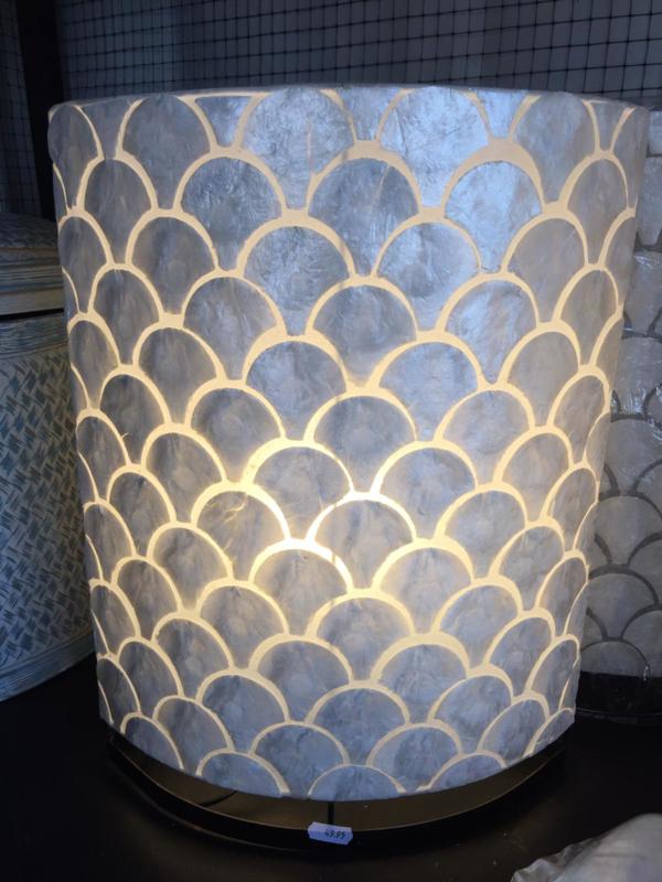 Staande schelpenlamp capiz_ ovaal waaier wit _20 cm