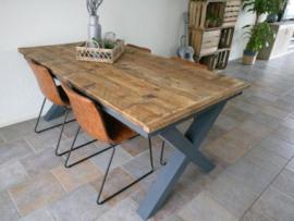Eettafel steigerhout met houten of stalen X-poten