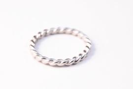 Zilveren gedraaide 2,5mm stapelring, twistdraad ring