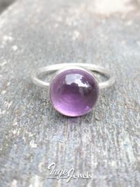 Zilveren ring met paarse Amethist