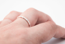 Sterling silver 2,5mm egg wire ring