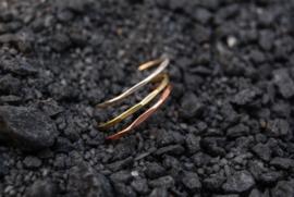 Stapelringen, set van drie, sterling zilver, koper en messing, gehamerde ringen, 1mm dunne ring