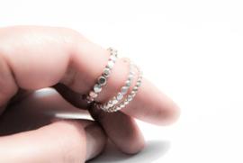 Set van drie sterling silver pareldraad ringen