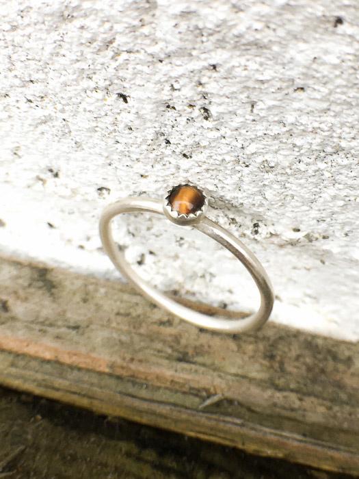 Zilveren 4mm Tijgeroog ring