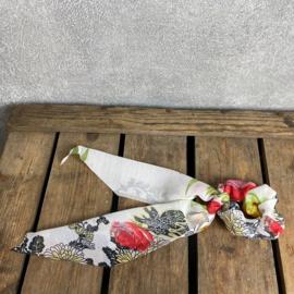 Froezel White Flower