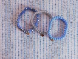 armband met hanger blauwtint