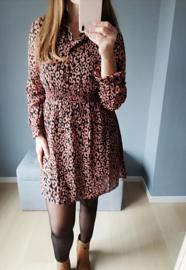 korte getailleerde jurk met luipaardprint roest