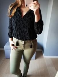 blouse luipaardprint zwart met frutsels