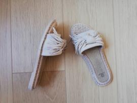 slippers strik en flosjes beige