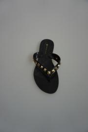 Petite Jolie, teen slipper zwart met gouden studs 36 37 38