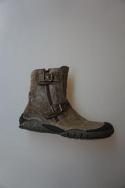 Perché No?, Boot, korte jongenslaars in rough leahter, met stootneus, gespbandjes, rits, leer gevoerd, valt ruim, discovery olivia, kaki-kleur 37