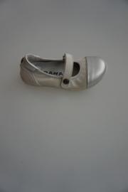 Bana, leren bandschoentje met zilveren neusje, leer gevoerd, wit/zilver