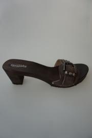 Softclox, houten slipper met nubuck band met gesp en studs,  verstelbaar, klein hakje, asphalt