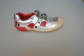 Clic metallic leren zomerschoen, t band met stootneus, klittenbandsluiting,  zilver met rood  29,32