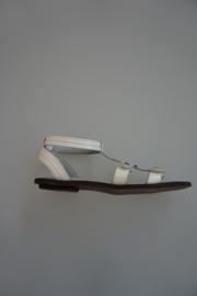 Clic, leren t band sandaal met bandjes, klittenbandverstelbaar,/-sluiting, lak wit