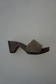 Softclox, houten klompje / slipper, nubuck leren band met studs, taupe