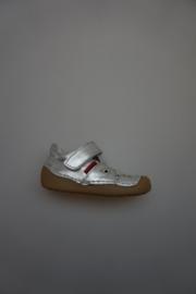 Shoesme, metallic leren t band schoentje met stootneus, soepele zool, stevige hak, leer gevoerd, walk proof, zilver  23