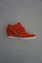 Högl, leren sneaker in nubuck leer, ingebouwde plateau(wedge), witte zool, leer gevoerd, 3 klittebanden sluiting, mandarin