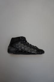 Le Coq Sportif, zwarte leren  veterschoen, sneaker mid hoog, niet leer gevoerd, met ruitjes figuur in zilver, zwart 30